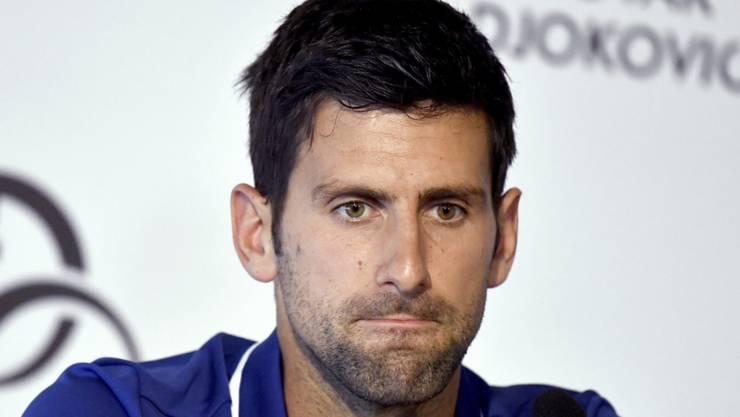 Konsterniert: Novak Djokovic klagt nach wie vor über Schmerzen im rechten Ellbogen