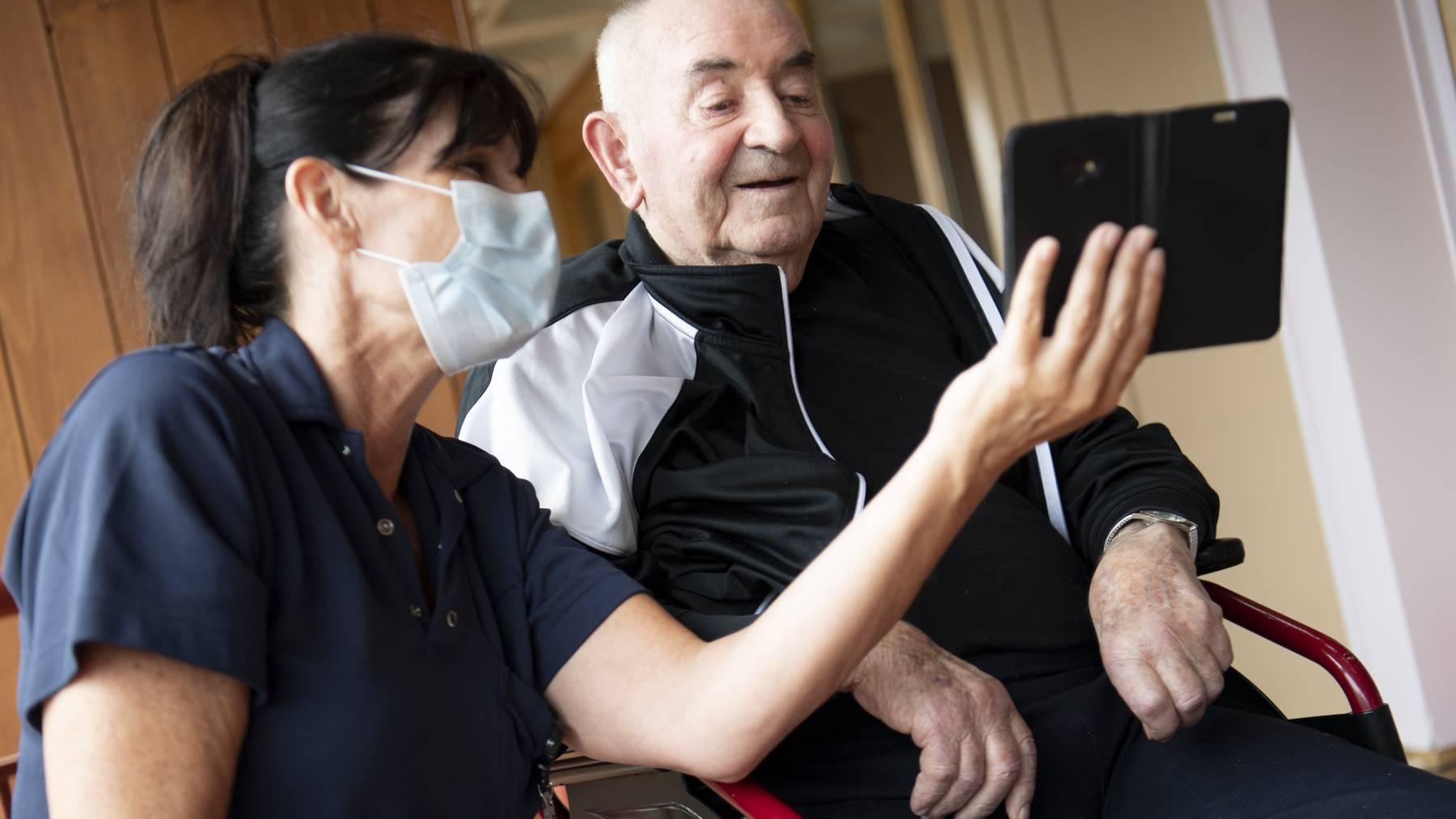 Die Pandemie habe die Digitalisierung aller Lebensbereiche in der Schweiz beschleunigt (Symbolbild), so eine aktuelle Studie.