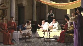 Die Gäste haben die einmalige Gelegenheit, die römischen Gaumenfreuden zu geniessen und zu erfahren, welche Regeln und Tischsitten galten.