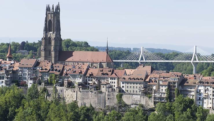 In einer Freiburger Kirche haben zwei Männer versucht, eine Kasse aufzubrechen.