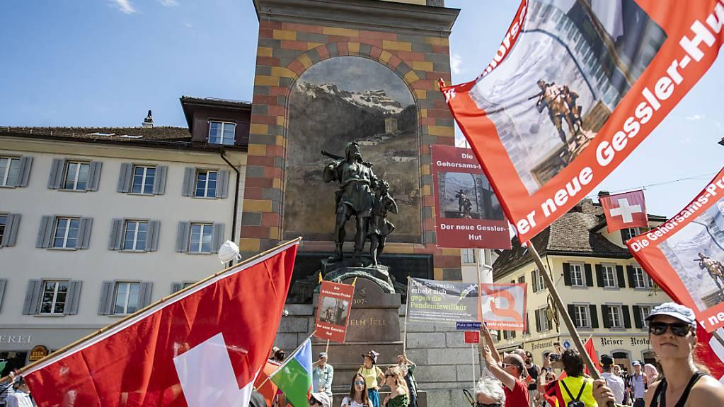 Im vergangenen Herbst war es in Altdorf UR zu einer Demonstration von Gegnern der Corona-Massnahmen gekommen - eine erneute Bewilligung gibt es nicht. (Archivbild)