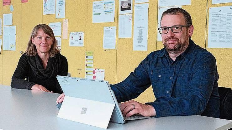 Die Wohler Schulleiterin Franziska Walti (Oberstufe Junkholz) und Bezlehrer und ICT-Verantwortlicher Markus Fricker.