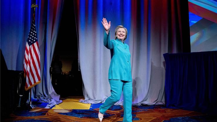 «In den Augen vieler Republikaner verkörpert Hillary Clinton sämtliche negativen Aspekte des Washingtoner Politbetriebs: ihre Arroganz, ihren Opportunismus und ihren Hang zur Selbstbedienung.»
