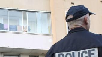 Ein Polizist in Marseille (Archiv)