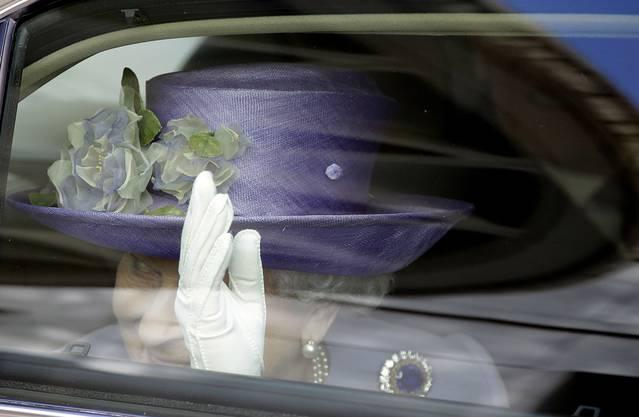 Die Queen winkt zum Abschied