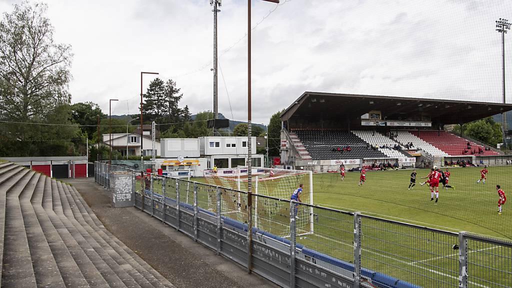 Leere Zuschauerränge im Testspiel zwischen Aarau und Thun.