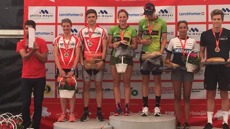 Alexa Magallon und Adam Martin (beide rechts) überzeugen mit dem 3. Platz.