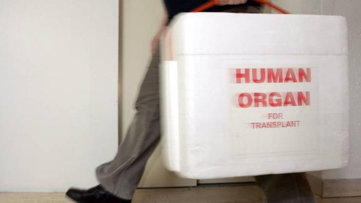 Das Organ war bereit, doch kein Flugzeug für den Transport: Herzkranker Knabe stirbt in Brasilien. (Symbolbild)