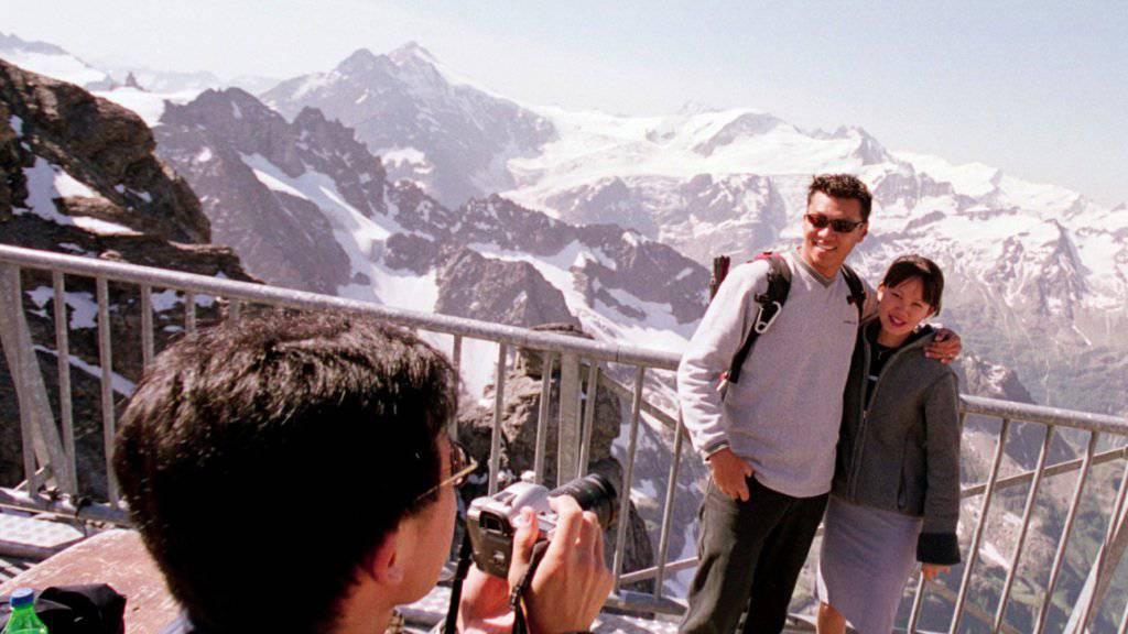 Asiaten kommen meist in Gruppen und rauschen durch die Zentralschweiz oder das Berner Oberland. (Archivbild)
