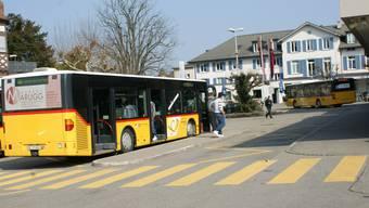 Der Bahnhofplatz dient heute schon als Drehpunkt fürs Umsteigen auf den öffentlichen Verkehr.  ach