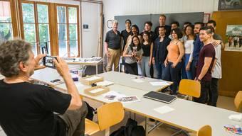Marc Janko trifft Lehrer und Migranten-Klasse aus dem Dok-Film «Neuland»