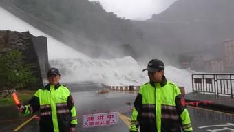 Insgesamt 270 Millionen Tonnen Wasser liessen die Behörden ab – dieses Video sagt mehr als Zahlen.