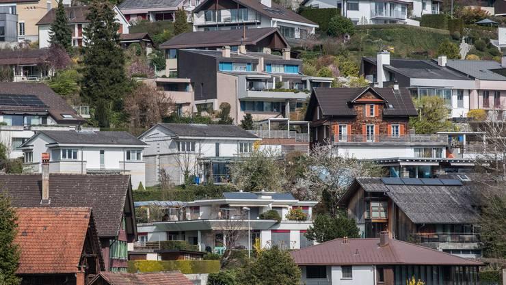 In der Coronakrise sinken die Hypothekenzinsen auf breiter Front. (Symbolbild)