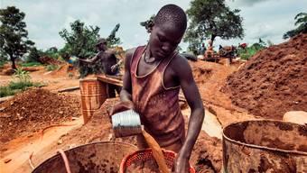 Hauptziel des Minamata-Abkommens ist, Arbeiter und Umwelt in kleinen Goldminen zu schützen.