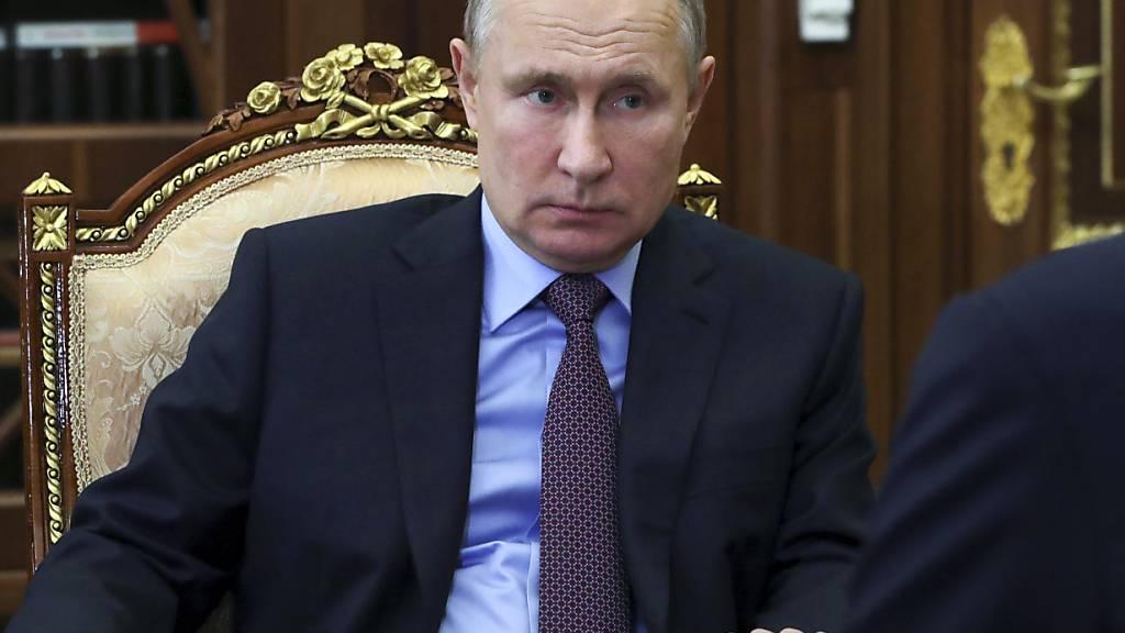 Die neuesten Umfragewerte des russischen Präsidenten Wladimir Putin sind geprägt von Alexej Nawalnys Enthüllungsvideo. Foto: Mikhail Klimentyev/Pool Sputnik Kremlin/AP/dpa