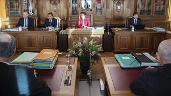 Als Bundespräsidentin leitet Simonetta Sommaruga (Mitte) die Bundesratssitzungen. An der ersten Sitzung des Jahres hat die Landesregierung die Abstimmungsvorlagen für den Urnengang vom 17. Mai 2020 festgelegt.