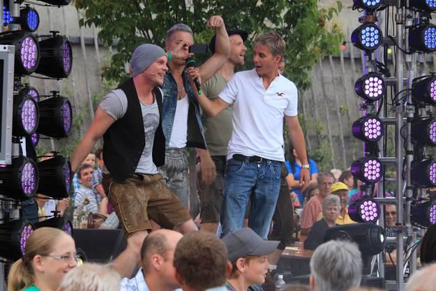 Seit 2005 ist Scherrer auch schon Aussenreporter des «Donnschtig-Jass», der von Roman Kilchsperger moderiert wird. Scherrer sorgt dabei auch vor der Sendung für Stimmung beim Publikum.