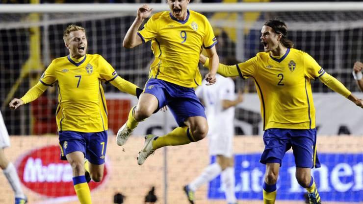 Kim Källström (9), hier nach seinem Tor gegen Holland an der Euro 2012, dürfte die Schweizer Super League aufwerten