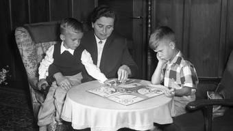 Wenn Mütter und Kinder zusammen spielen, synchronisieren sich ihre Hirnwellen. (Archivbild)