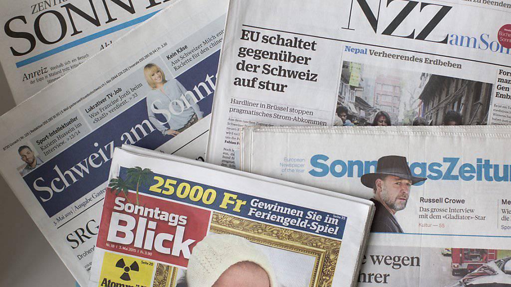 Eine Auswahl der Sonntagszeitungen (Symbolbild)
