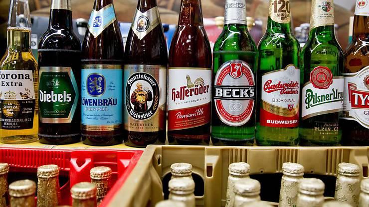 Nach dem offiziellen Kaufangebot von Brauereigigant AB Inbev sind Biermarken wie Corona und Löwenbräu bald unter einem Dach mit SABMiller-Marken Becks und Pilsner Urquell.