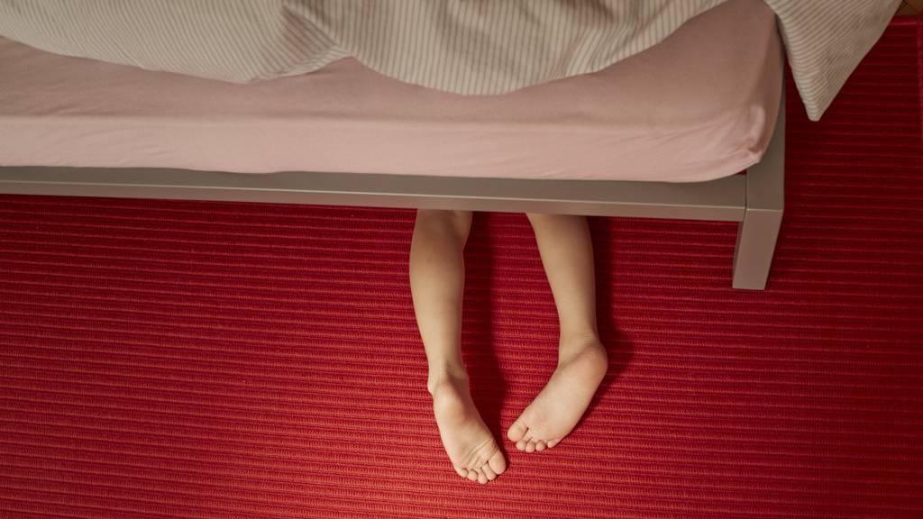 Ein 61-jähriger Schweizer hat über Jahre Kinder sexuell missbraucht -jetzt wird er verwahrt.