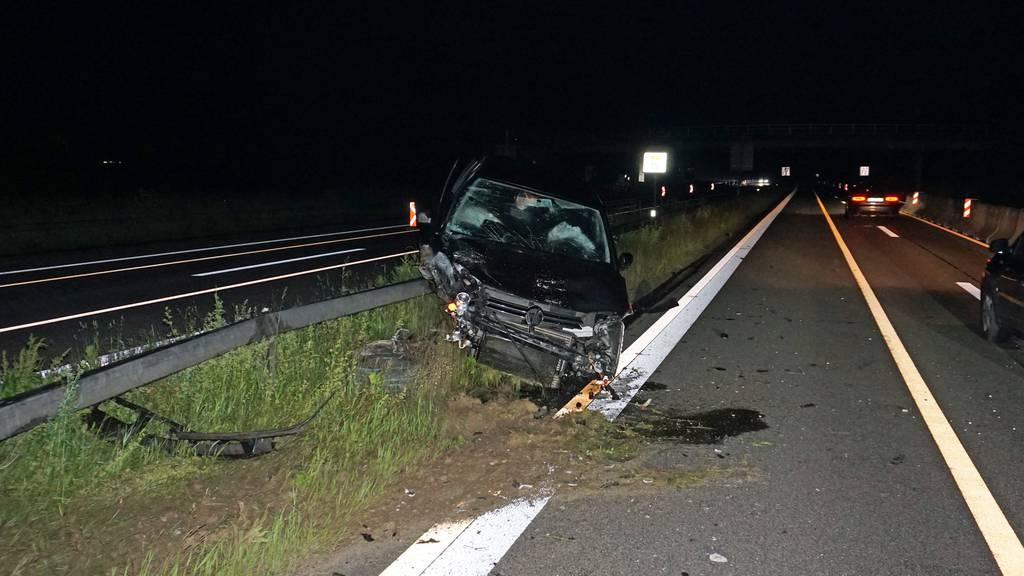 Ein angetrunkener Autofahrer verunfallte in der Nacht auf Samstag bei Hüttlingen.