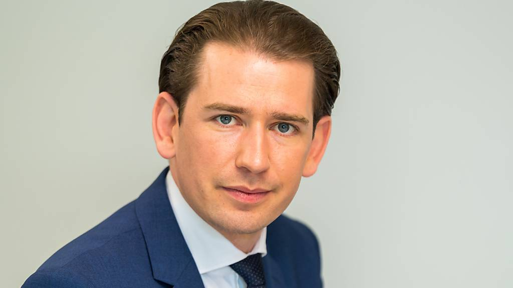 Österreich: Kanzler Kurz hält trotz Korruptionsvorwürfen an Amt fest