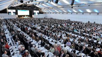 Verwaltungsrats-Präsident Josef Meier spricht vor über 2000 Aktionären und Gästen der NAB in der KEBA Aarau.alex spichale