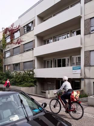 Im ehemaligen Hostel des Unispitals an der Friedensgasse logieren bis auf weiteres Studierende in 47 Einzimmerwohnungen.