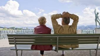 Der Bundesrat soll den Mindestzinssatz für Renten der zweiten Säule weiter senken, fordert die zuständige Kommission. Der Gewerkschaftsbund warnt vor tieferen Renten. (Symbolbild)