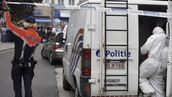 Die Polizei sichert den Tatort in Aalst