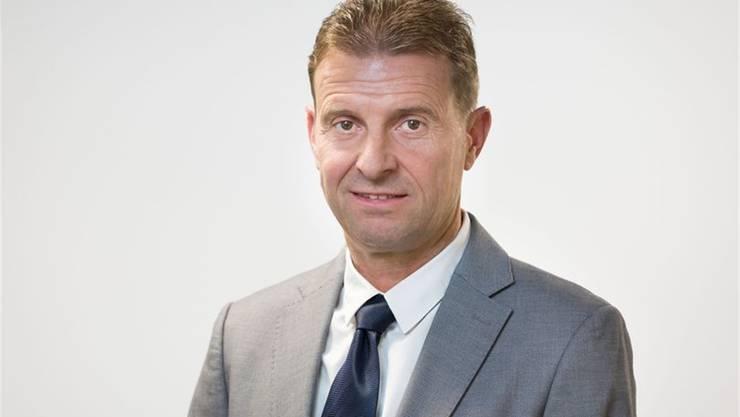 Ueli Haller von der SVP Bezirk Lenzburg. Er ist CEO der Schifffahrtsgesellschaft Hallwilersee und Gemeindeammann in Meisterschwanden.