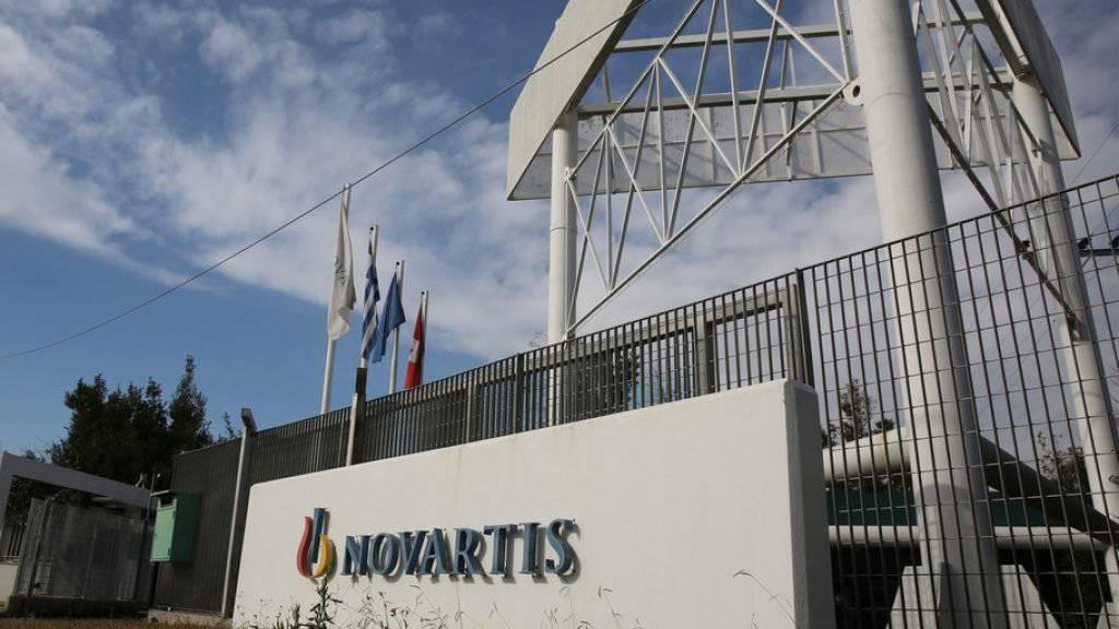 Novartis soll nach den Aussagen von Zeugen den ehemaligen Regierungschef Antonis Samaras und andere griechische Politiker sowie Ärzte bestochen haben. (Archiv)