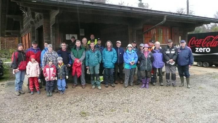 24 Personen sind bereit einen nachhaltigen Einsatz im Lohner Wald zu leisten.