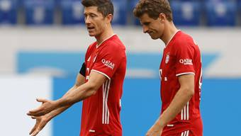 Ein ungewohntes Bild: Enttäuschte und ratlose Bayern (Lewandowski/links und Müller) nach dem 1:4 gegen Hoffenheim