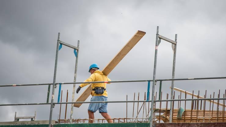 In der Baubranche finden viele Unternehmer, sie hätten zu wenig Personal.