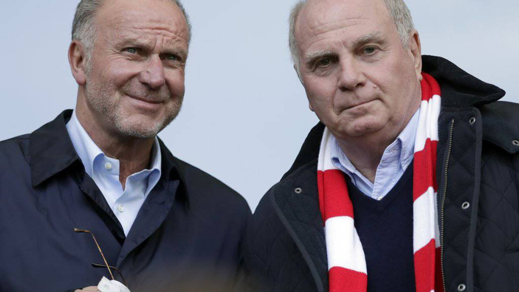 Bayerns Führungsriege mit Uli Hoeness (rechts) und Karl-Heinz Rummenigge (links) wollen das Gesicht der Mannschaft bald verändern