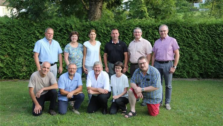Das Messe-OK (v.l.n.r., vorne): Markus Saner, Rolf Rubitschung, Christoph Kamber, Marianne Kamber, Hansjörg Stoll. Hinten: Stefan Bader, Brigitte Tschan, Corinne Schaad, Thomas Bader, Christoph Kohler, Heinz Ackermann.