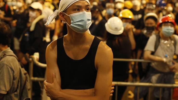 Am Freitag vor dem Polizeihauptquartier in Hongkong.