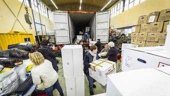 «Volunteers for Humanity»: Bilder von der Verpackungsaktion in Schöftland