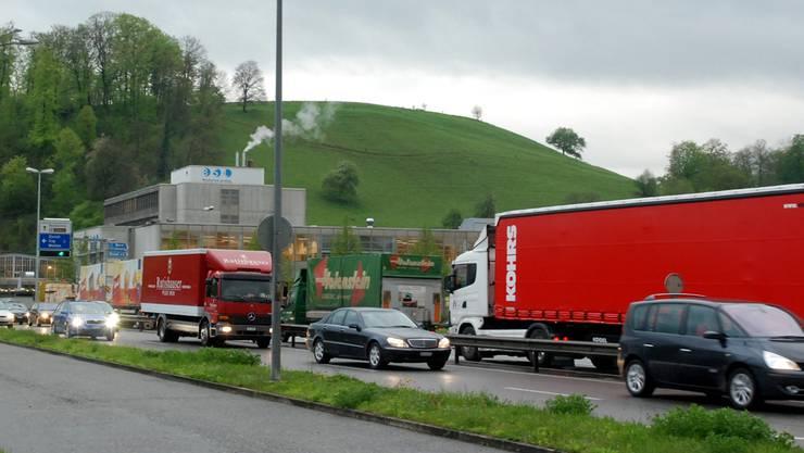 Viele Staustunden am Knoten Neuhof in Lenzburg. toni Widmer