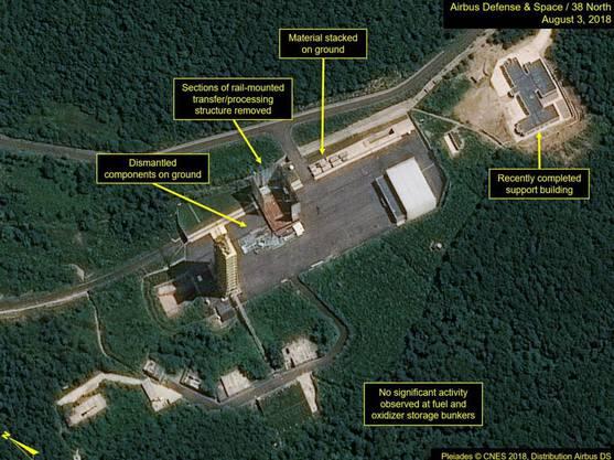 Satellitenaufnahmen der Raketenanlage Sohae vom 3. August 2018. Zwei Tage nach dem Gipfeltreffen zwischen Kim Jong Un und Donald Trump wurden hier Aktivitäten registriert.