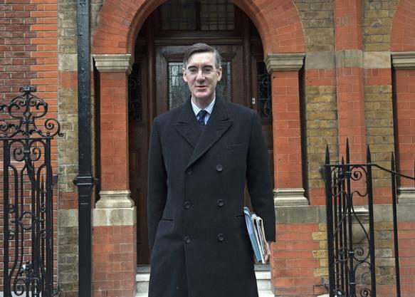Der Erzkonservative steht einer rund 80-köpfigen Gruppe beinharter Brexit-Befürworter vor, die Mays Austrittsabkommen blockieren.