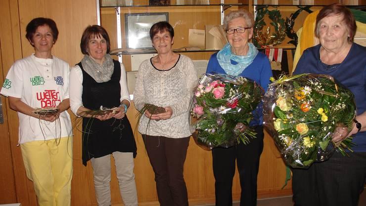 von links nach rechts: Ehrungen Jubilarinnen Silvia Riedo - Agi Jordan - Susanne Müller - Edith Rüegg - Therese Schläfli