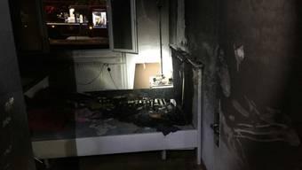 Eine Kerze hat in einer Wohnung in Givisiez FR eine Matratze in Brand gesetzt. Die Wohnung ist nicht mehr bewohnbar.
