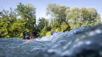 Nicht nur abkühlend, sondern auch gefährlich: Ein Schwumm im Fluss.