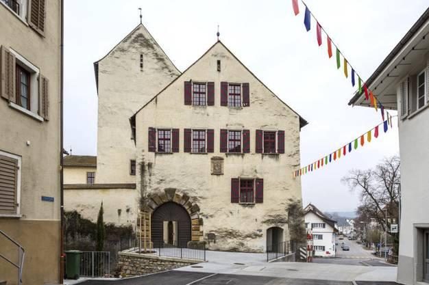 Im Schloss bietet der Verein Regionale Ludothek Klingnau eine Vielfalt an Spielen zur Ausleihe an.