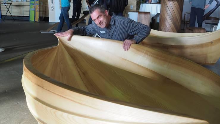 Solche Holzbadewannen aus Felsenau sind der neue Trend.Martin Binkert