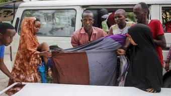 Bei einem großangelegten Terrorangriff auf ein Hotel in der somalischen Hauptstadt Mogadischu sind mehrere Menschen getötet worden. Foto: Farah Abdi Warsameh/AP/dpa